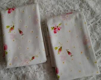 Pair of Vintage Print Pillowcases Pink Roses Daisies