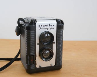 Vintage Box Camera Mid Century • Argus Argoflex Seventy Five • Camera with Leather Case • Ttv