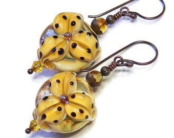 Pale Topaz Tiger Lily Earrings, Artisan Lampwork Glass, Handcrafted OOAK (One of a Kind) Yellow Floral Jewellery
