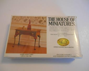 Vintage House of Miniatures Queen Anne table dollhouse furniture kit