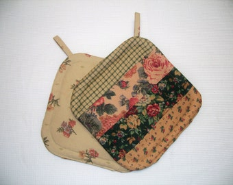 Flannel Quilted Potholders, Roses, Gold & Green, Insulated Pot Holders, Set of 2 Hot Pads, Trivets, For the Cook, For the Kitchen