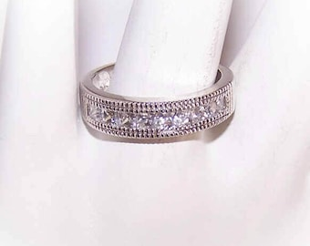 Sweet STERLING SILVER Wedding Band with Princess-Cut Cubic Zirconia/CZ