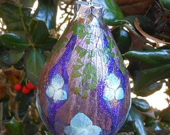 Pressed HYDRANGEA SALVIA HIBISCUS & Fern Petals Ornament Vibrant Flowers Botanical Art Round Glass, Fairy Luster Glitter Handmade Home Grown