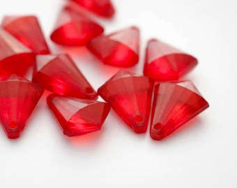 Red Acrylic Beads Faceted Briolette Drop Teardrop 17mm (20)