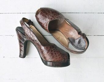 Marquisa snakeskin platform heels | vintage 1940s platforms | brown snakeskin peeptoe 40s heels 5.5