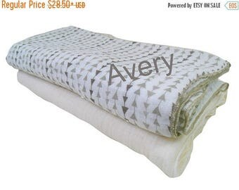 ON SALE Arrow Print Muslin Cotton Swaddle Blankets, Personalized Lightweight Cotton Summer Baby Blanket, Gray and White Cotton Baby Blankets