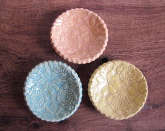 SALE  3 wonky round dishes, Ring dish Birthday favor, ceramic wedding favor, candle holder, teabag holder