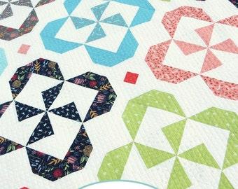 Pinwheel Posies Quilt PDF pattern