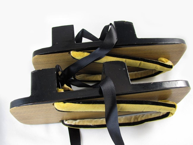 Vintage mid century black lacquer wooden Japanese zori geta sandals shoes Japan / black ribbon / home decor / wall hanging / wall art