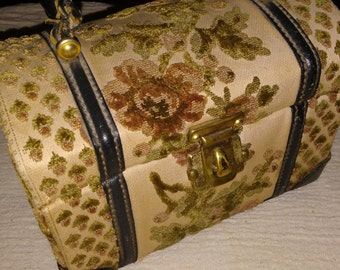 A Bit of Gold Tailored Carpetbag Purse at Nestbox Vintage