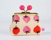 Metal frame coin purse with color bobbles - Strawberries in peach - Color mum / Cotton and Steel / Kim Kight / Pink red neon peach