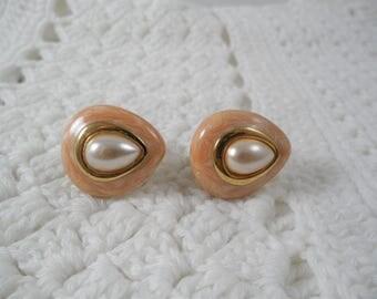 Signer Napier  Light Peach Gold Tone Screw Back Earrings