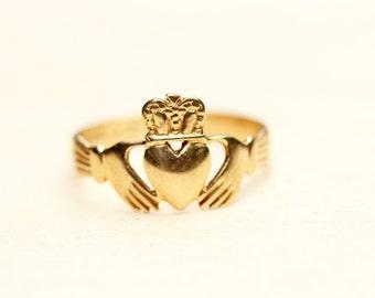 Claddagh Ring Gold, 14K Gold Claddagh Ring, Irish Claddagh Ring, Vintage Claddagh Ring, Gold Heart Ring, 14K Gold Ring, Size 6.5 Ring