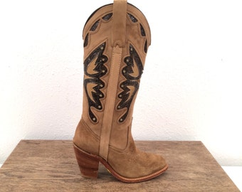 SALE vintage MISS CAPEZIO cut out butterfly suede leather boots 5 us, 35 eur