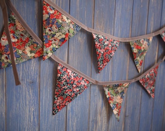 Liberty Prints Bunting.  Liberty Fabric // Designer Bunting // Floral Bunting // Wedding Decor // Wedding Bunting // Liberty Decor.