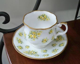 Vintage Serving Bone China Teacup and Saucer Made in England Queen's Primrose