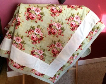 """Handmade Quilt 45"""" x 60"""" - Lap Quilt ~ Baby Quilt ~ red/Fern Green Background Back"""