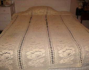 Antique Crocheted Bed Spread, Queen, White Cotton