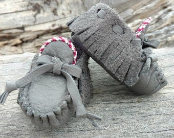 "Baby Moccasins By Desi, Beaded Gray Leather shoes, Girl, 3 3/4"" long, 3-6 Months US Shoe Size 2.5, Tribal Aztec, First Easter outfit Booties"