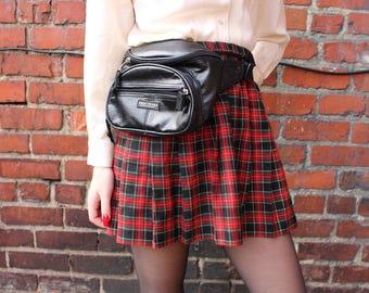 Vintage High Trails Black Faux Leather Fanny Pack