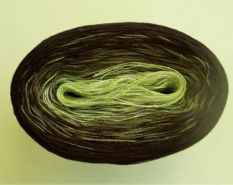 PERIDOT  -- mega -- Color Changing Cotton yarn  865 yards/180 gr  Fingering Weight