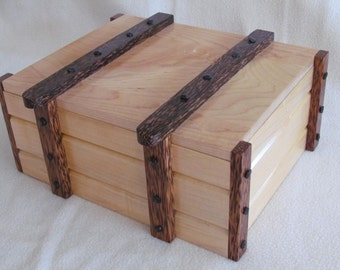 Maple/black palm, Hand Crafted, Jewelry box