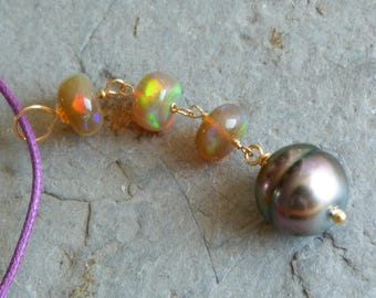 18 kt yellow gold pendant, tahiti pearl and opals: IMPORTANT, French vat is included, 20% off for US,UK and canadian buyers