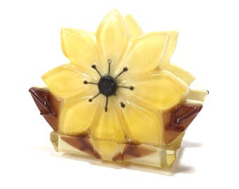 Yellow Flower Lucite Napkin Holder Vintage 1960s Retro Kitschy Kitchen Decor