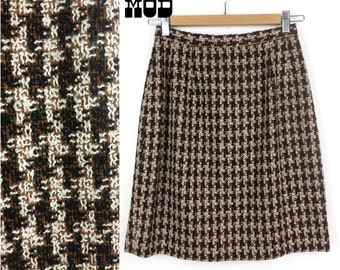 Cute Vintage 60s Black, Brown & White Houndstooth Pattern ACRYLIC Woven Knit Skirt!