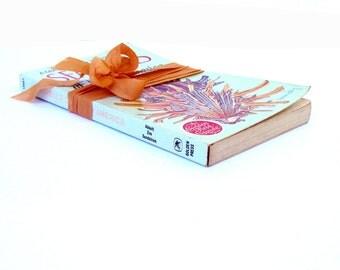 SEASHELLS of North America, A Guide to Field Identification, Old Seashell Book, Vintage Marine Book, Vintage Seashells, Beach Wedding Decor