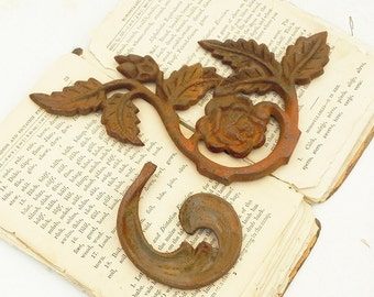 2 Vintage Rusty Cast Iron Ornaments Assemblage Steampunk Craft Supply Roses