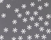 Small white snowflake paper table confettis - Christmas winterland decoration - 100 die cut paper snowflake confettis - Snow decor