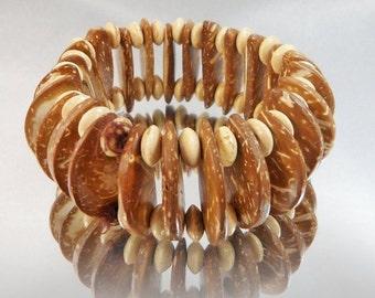 CHRISTMAS SALE Vintage Wood Bracelet. Stretch. Brown and Tan.