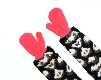 Childrens Long Mittens, toddler mittens, baby mittens, hot pink mittens, animal print