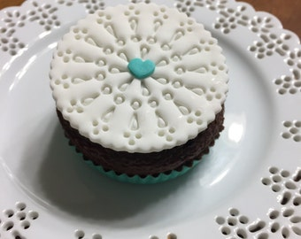 Edible Doily Cupcake Toppers, Fondant Cupcake Topper, Cookie decoration, Bridal Shower, Wedding Cupcakes