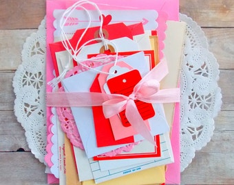 Valentine's Day Junk Journal Ephemera Pack / Tags / Envelopes / 20 Pieces / Vintage Ephemera / Paper Ephemera