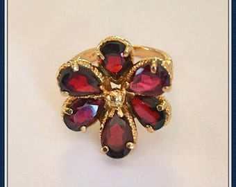 14k Gold Garnet Ring, Size 5.75, Flower, January, Birthstone, Tear Drop, Pear Shape, Vintage 1980's