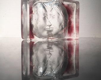 Glass art kiss sculpture paperweight prism suncatcher couple faces lovers sand cast bas relief treasure