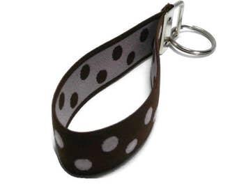 Bracelet Style Brown and Pink Stretch Keychain Holder  Stretchy Wristlet Brown w/ Light Pink Dots Key Fob Keyholder Organizer Size Medium