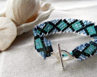 Diamonds and Cubes Bracelet - Navy, Light Blue and Green