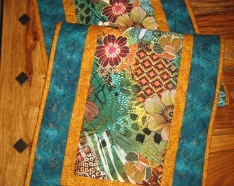 """Quilted Table Runner, Abstract Contemporary Retro Flowers in Rust, Turquoise and Green, 15 x 48"""", 100% cotton fabrics Reversible"""
