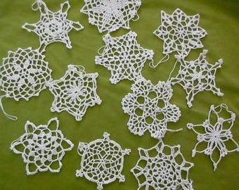 12 vintage crocheted snowflakes ornaments - white, cotton, NOS, new, unused, set #2