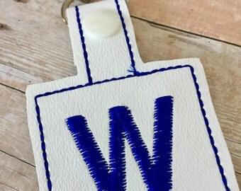 Cubs W Flag snap tab