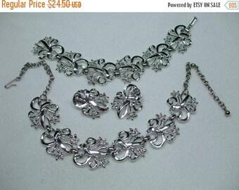 SALE 50% OFF Vintage Parure Silvertone Necklace Bracelet and Earring Set