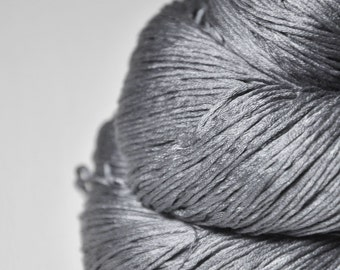 Clouds on a rainy day - Silk Fingering Yarn - Knotty skein