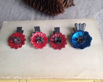 Christmas Vintage Candles Clip Holders Blue & Red Clips / Xmas Home Decor /Country Chic