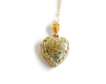 Vintage Sweetheart Locket with White Gold 1930s