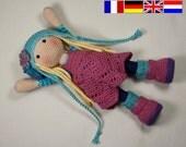 Crochet pattern for doll SUE (Deutsch, English, Français, Nederlands)