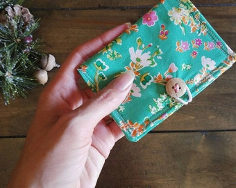 The Card Wallet -- {Cottagely Posey} Business Card Holder.  Art Gallery Floral.