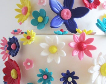 edible sugar flowers multiple color set of 70